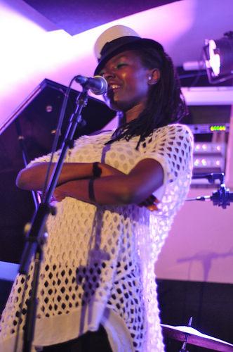 Namaste! ElectroJazZ & Tina Mweni Live at U.Percut - Photo by pirlouiiiit